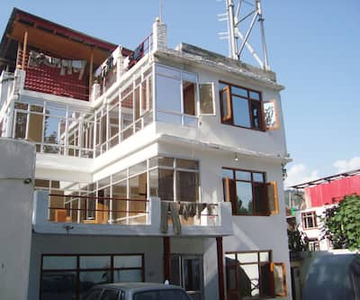 Hotel Shireen,Srinagar